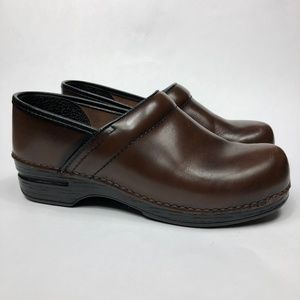 Dansko Professional XP Women's Brown Leather Clogs
